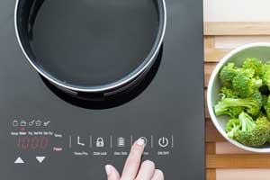 Energy efficient induction cooktop